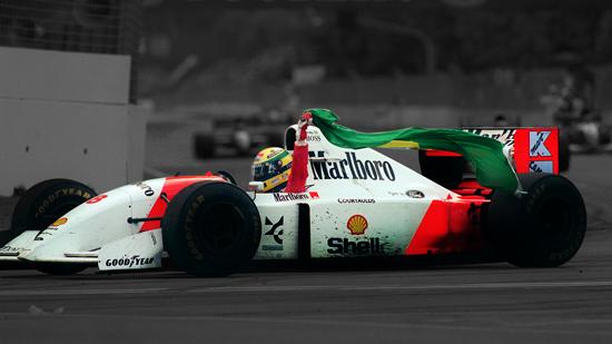 ayrton-senna-brasil-bandeira-mclaren-vitoria